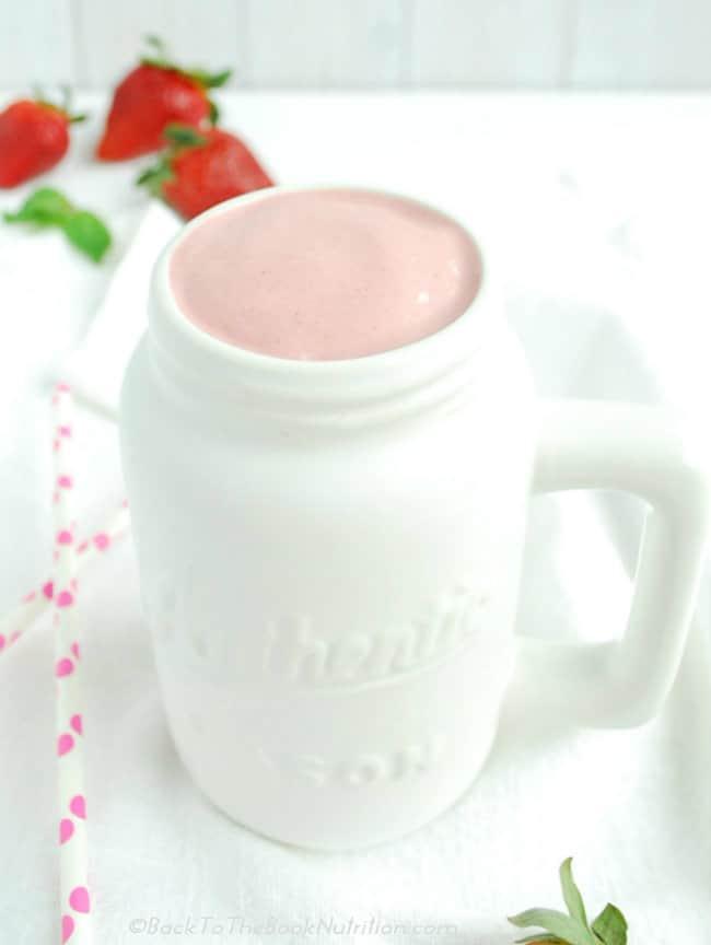 Strawberry Frozen Yogurt Probiotic Milkshake