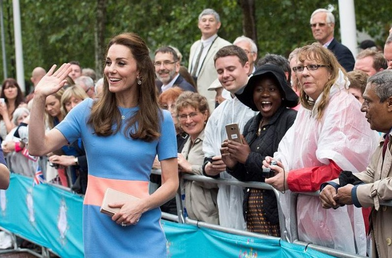 Kate Kept Her Distance With Fans
